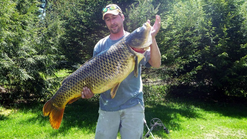 Vermont Bowfisherman Catches Largest Fish in State Records