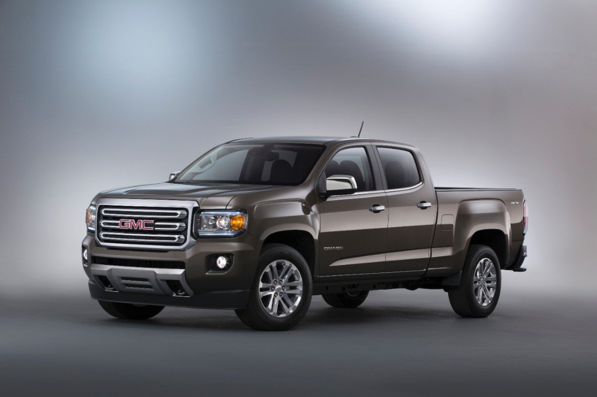 2015-GMC-Canyon-SLT-Crew-Cab-Front-Three-Quarter-in-studio-007-medium (2)