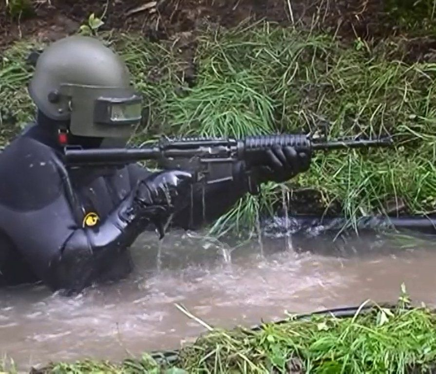 HK416 vs Colt Water Test