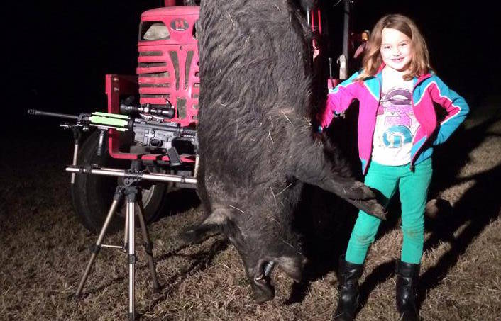 Beauty and the Beast – Father / Daughter First Hog Hunt (VIDEO)