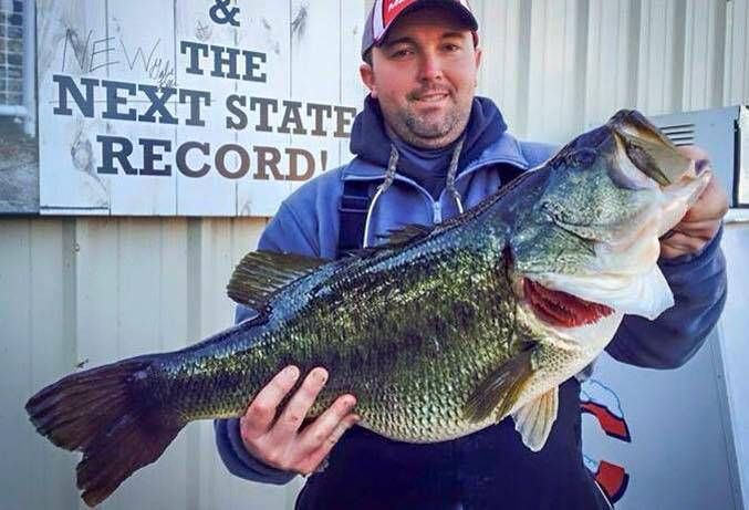 Tennessee Teacher Breaks State's 60-year-old Largemouth Bass Record