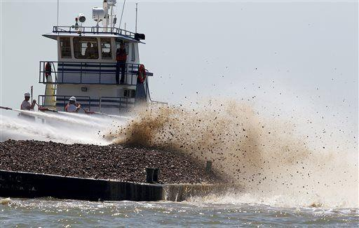 Texas oyster competitors spar over Galveston Bay reef lease