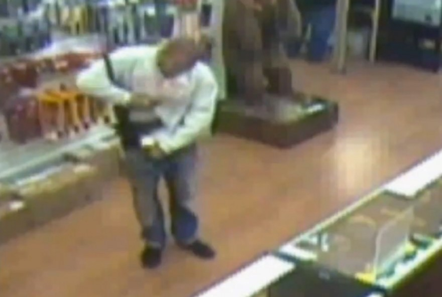 Man Tries to Shoplift AR15 by Stuffing it Down His Pants [VIDEO]