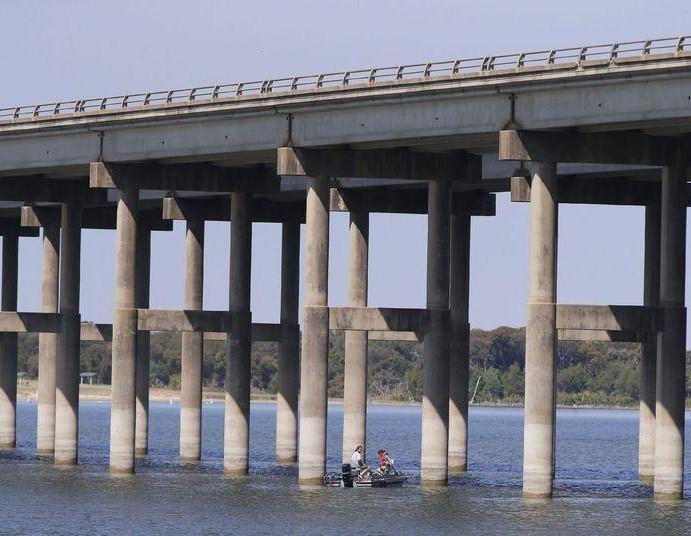 Lake Waco volunteer group installs 'crappie condos' to improve fishing