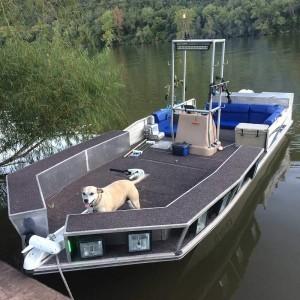 grass-carp-boat-1000